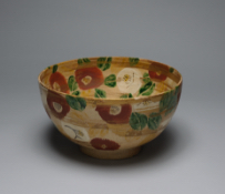 KITAOJI Rosanjin, Bowl with design of Camellia, overglaze enamels and gold, 1955