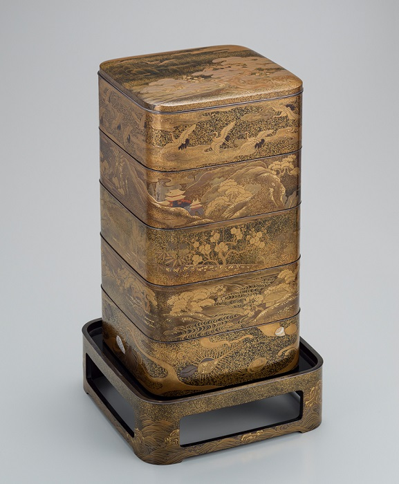 Tiered Boxes with Design of Mountains and Sea of the Four Seasons, Maki-e, late Meiji-early Showa era