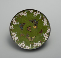 NAMIKAWA Yasuyuki, Plate with butterflies and cherry blossoms, Meiji period2