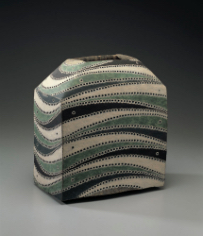 加守田章二《彩陶角扁壺》 1972年