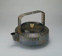 信田洋《蒸発用湯沸瓶》 1934年