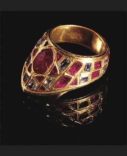 《射手用指輪》16-17世紀 トプカプ宮殿博物館