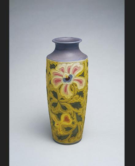 五代清水六兵衞《音羽焼牡丹唐草花瓶》1927(昭和2)年